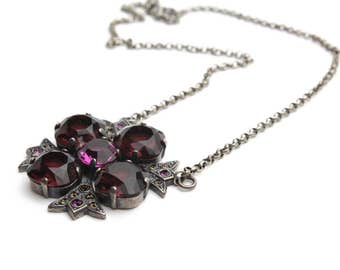 Four Petal Flower Pendant Necklace of Swarovski Crystal