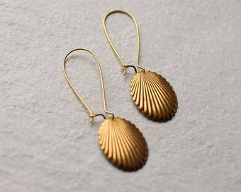 Geometric Shell Earrings ... Seashell Gold Modern Minimalist