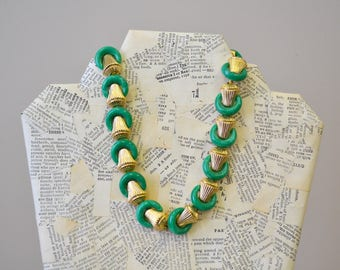 1950s Trifari Green and Gold Link Necklace