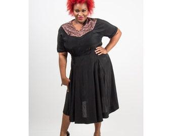 1940s dress / Vintage black rayon dress with lace bodice / Plus size Vintage XL
