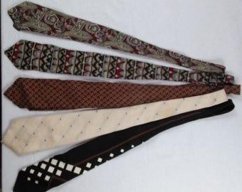 Vintage Necktie Lot//Crafting Supplies//Repurpose Reuse or Wear//Retro Men's Fashion//