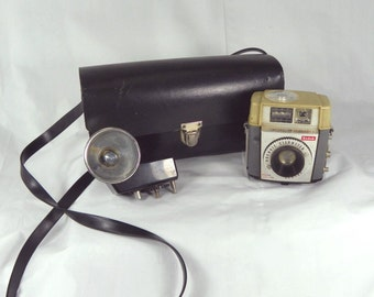 VINTAGE 1960s Kodak Camera Brownie Starmeter 127 Film Flash Case Reuse Repurpose Upcycle Pocketbook Handbag Black Purse Guy Gift