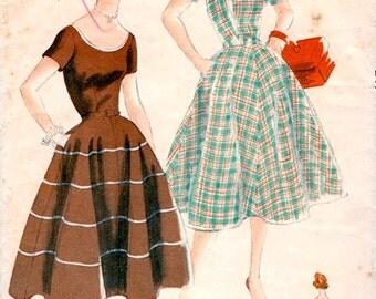 Sweet Vintage 1950s Vogue 3471 Easy to Make Full Skirt Scoop Neck Dress Sewing Pattern B30.5