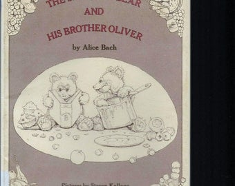 VINTAGE CHILDHOOD FAVORITE Book, The Smartest Bear And His Brother Oliver, 1975 Vintage Hardcover Book With Dust Jacket, First Edition, Twin