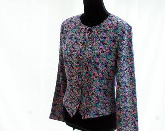 Floral Motif Folklore Button-Up Blouse. 80's. Vintage. By Apostrophe.