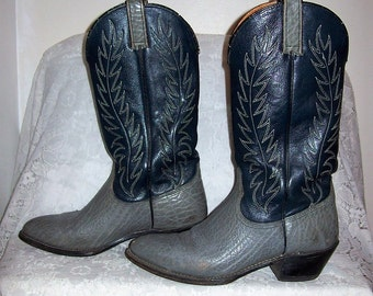 Vintage Men's Gray Two Tone Leather Cowboy Boots by Wrangler Size 8 D Only 25 USD