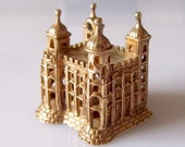 Huge 9ct Gold Tower Of London Charm or Pendant
