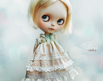 PASTEL DREAMS Collection, Beige Silk Blythe/Pullip Dress By Odd Princess, Vintage Collection