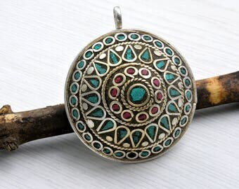 Tibetan jewelry ,Tibetan pendant ,ethnic craft ,turquoise stone ,coral ,mosaic ,shaving