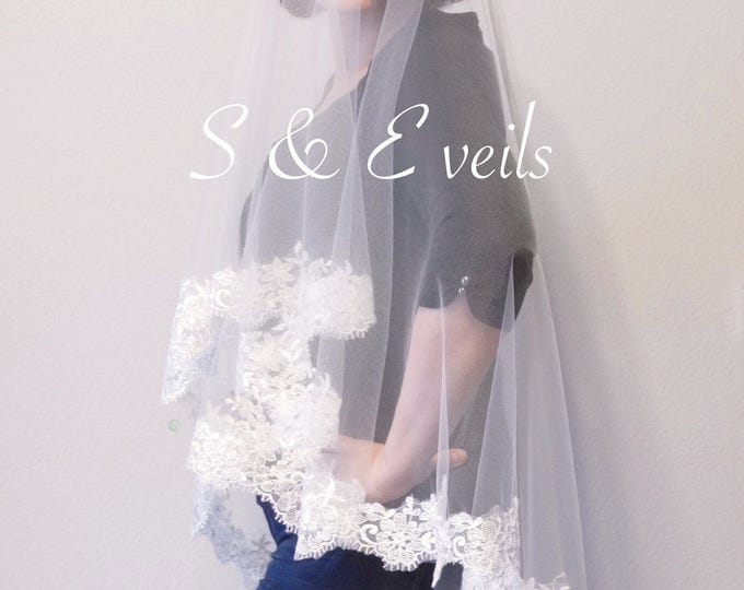 DROP Veil with LACE Applique edge, embellishments for any veil, chapel, hip,ivory and white colors, embroidery for veils, edge with lace