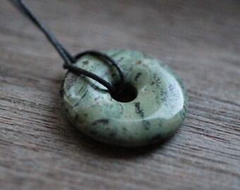 30 mm Kambaba Jasper Pi Stone Donut V11