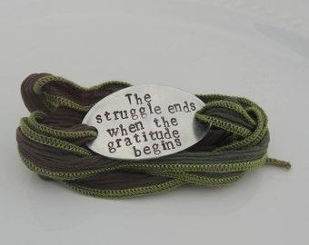 Wrap Bracelet - The struggle ends when the gratitude begins -  Mantra Bracelet - Mantra Band - Silk Wrap Bracelet
