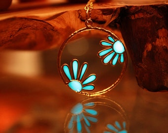 DAISIES GLOW in the DARK Necklace