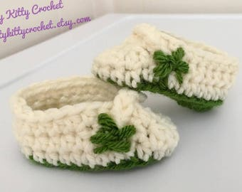 READY TO SHIP St. Patrick's Day Shamrock Baby Booties / Slippers / Shoes - Newborn to Six Weeks