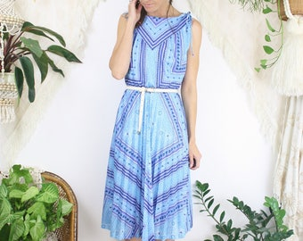 70s Blue Day Dress, Mismatching floral Sleeveless Pleated European Vintage Dress, Medium 3854