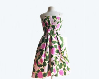 Vintage 50s floral party dress/pink green spring garden dress/ cotton dress with bows/ cocktail dress/ summer dress with tulle crinoline