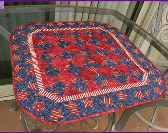 Quilted Table Topper Quilt Americana Patriotic 606 Stars & Stripe