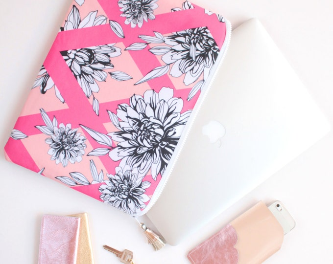 Floral laptop sleeve/case for 13'' to 16,5'' -  Choose your size - protective pc sleeve with foam lining - monochrome florals- Ready to Ship