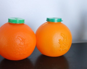 Vintage BUSCH GARDENS Orange Drink Sipper, Set of 2 plastic orange shaped juice holders, Busch Gardens Souvenir, Plastic Orange drink box
