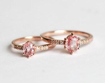 Rose Gold Sapphire Ring, Peach Pink Sapphire Ring, Oval Sapphire Ring, Diamond Sapphire Ring, Sapphire Diamond Band, Minimalvs