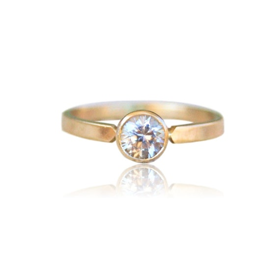Engagement Ring / White Sapphire 14k Gold / yellow gold / conflict free gemstone jewelry / Solitaire handmade / eco friendly recycled gold
