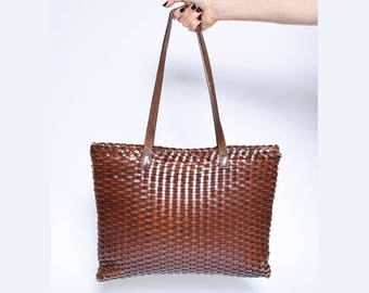 Vintage 90's Large Woven Brown Leather Shoulder HandBag