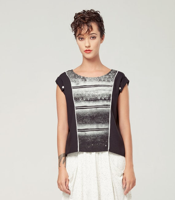 PERSEÏDE - top with sleeves rolled up, t-shirt for women - black with deconstructed silkscreen like edgy, grunge