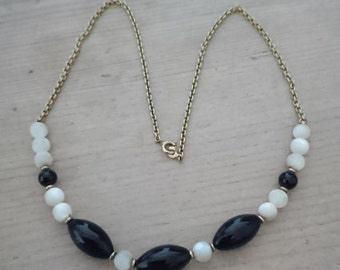 Vintage mother of pearl and black bead necklace