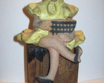 Vintage METLOX Pottery POPPYTRAIL POPPET Shelf Sitter Girl with Basket Figurine