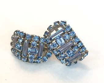 Vintage Blue Rhinestone Earrings Crystal Wedding Bridal Clip Earrings Light Blue Silver 1960s Antique Estate Jewelry Bridesmaid Gift for Her