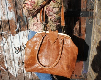 Lucy Frame Bag in tan scrunchy beautiful leather
