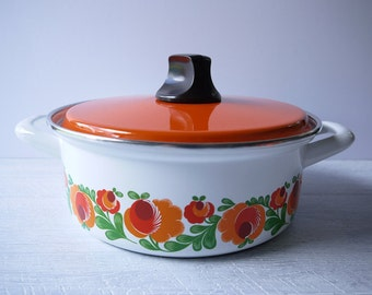 Gorgeous Retro Enamel Casserole Pot
