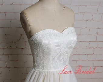 Fitting Bodice Wedding Dress with Sweetheart Neckline Ivory A-line Tulle Skirt Bridal Gown with Champagne Underlay