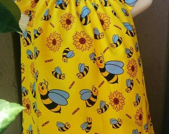 Size 4 Honey bees Dress with Flutter Sleeves. Bright yellow and blue bees, daisy flower Honey