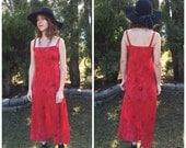 Maxi Dress / 90s Slip Dress / Red 1990s Long Vintage Sun Dress S / Rose Floral Print