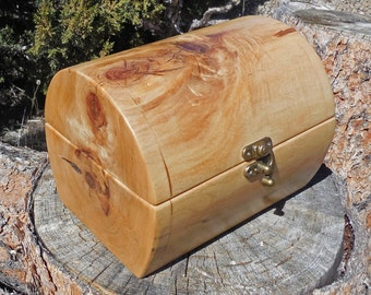 Cottonwood Log Box with Hinged Lid and Satin Finish, Keepsake Box, Chest Made from a Cottonwood Log