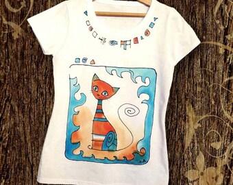 Paint by hand t-shirt. Cat shirt. Hand painted t shirt with fun cat design. Artistic t shirt. Teen girl t shirt. Cat lover shirt. Cat tee.