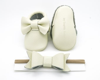 Baby Moccasins, Baby Ivory Bow Moccasins, Baby Leather Shoes, Genuine Leather Moccs, Toddler Moccasins, Baby Moccs, Baby Shower Gift