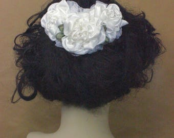 Bridal Hair Comb, Ribbon Flower Hair Comb, White Bridal Comb, White Ribbon Flowers