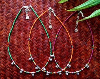 Cusi necklace - Necklace with orange, green and pink seed beads and tiny charms