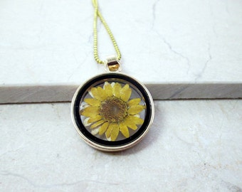 Yellow Daisy Necklace Real Pressed Flower Necklace Nature Jewelry Botanical Flower Necklace Dried Flower daisy Necklace Real Flower Gift Her