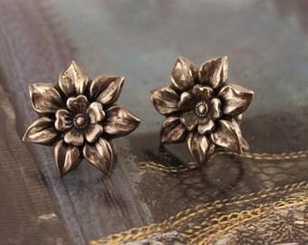 Sweet 1940s Danecraft Sterling Silver Floral Screwback Earrings