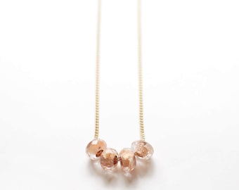 cuatro in peach – minimalist beaded necklace