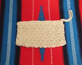 Vintage 1970s Boho Macrame Wristlet / Small Creme Colored Woven Clutch / 70s Festival Bag