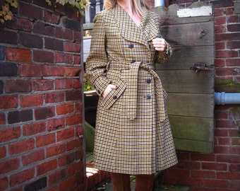 vintage 60s 1960s wool checked Pendleton coat belted Houndstooth plaid pockets preppy Mod tweed trench gold brown black cream