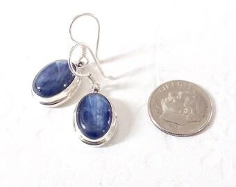 Blue kyanite Earrings, kyanite earrings, kyanite jewelry, blue drop earrings, blue gemstone earrings, blue gemstone kyanite, blue earrings