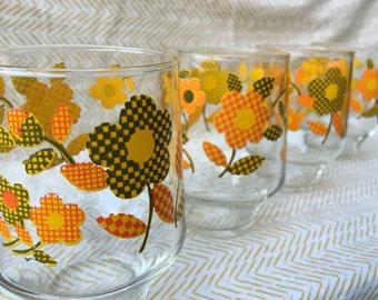 retro checker plaid flower glasses set of 4 juice glasses