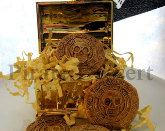 GOLD DOUBLOON Edible cupcake toppers -Sugar Coin -Pirates of the Caribbean -cursed gold cupcake and cake decorations -Candy coins(12 pieces)