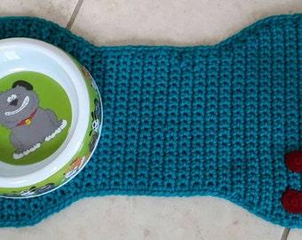Bone shaped pet placemat-animal placemat-dog food and water mat-cat food mat-crochet bone shaped pet food mat