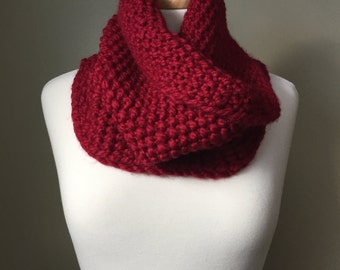 Chunky knit Cowl in Cranberry red, hand knit